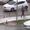 Во время урагана в Академическом мужчину снесло отлетевшим с крыши паркинга листом