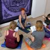 Раскрась серые будни и подготовь себя к Новому году — приходи на йогу в студию на Академика Сахарова!