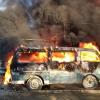 В пожаре на Широкой Речке сгорели дом и четыре машины