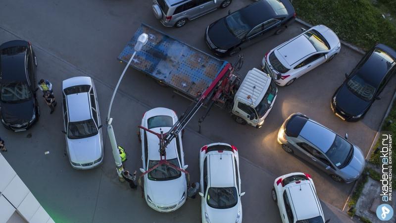 Академический район Екатеринбург Эвакуация машин с тротуара