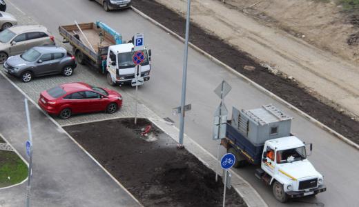 Со строящейся улицы Мехренцева начали эвакуировать автомобили
