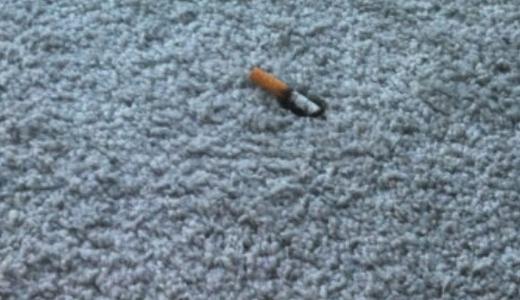 Жители Академического просят соседей не выбрасывать окурки от сигарет из окон и балконов
