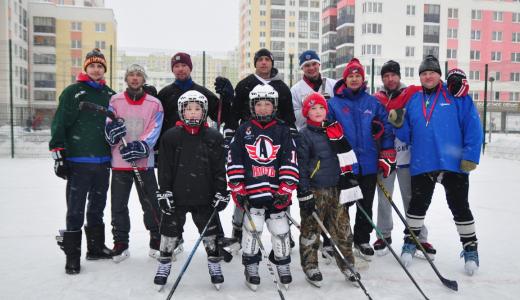 В районе прошёл первый дружеский турнир по дворовому хоккею