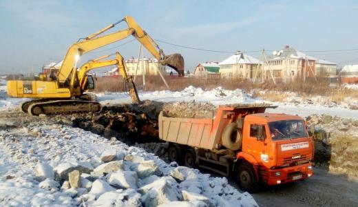 Дорогу из Академического на Широкую Речку строят даже в выходные и в морозы