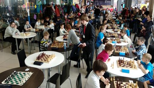 93 спортсмена из пяти городов сыграли в третьем этапе «Шахматного дебюта»