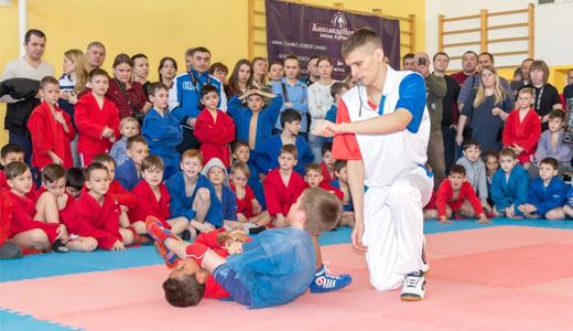 Репортаж с первого турнира по борьбе самбо в Академическом