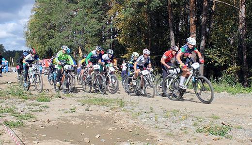 Школьники в Академическом открыли велосезон