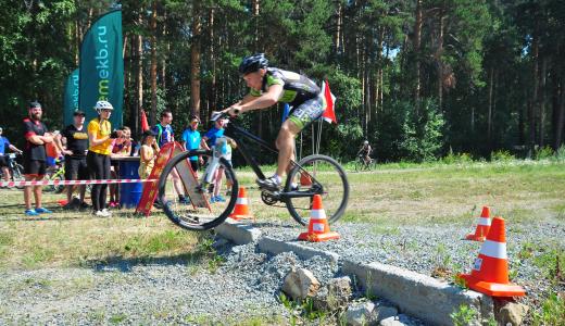Два фотофиниша в финалах: в Академическом прошла велогонка 7 этапа «AkademMan»