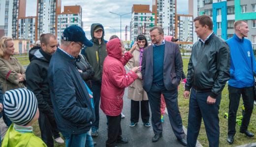 Ответы получены: в Академическом прошла встреча с Николаем Смирнягиным и Сергеем Боярским