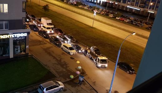 Полиция вывозит с дублёров автомобили, припаркованные с нарушением ПДД