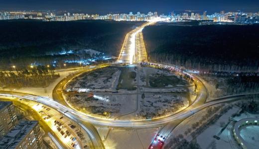 На развязке Объездной дороги у въезда в Академический вновь перекрывают дорогу