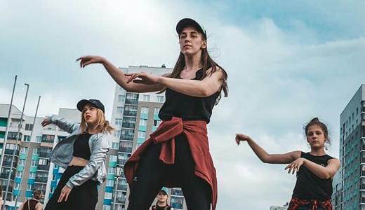 Танцевали и соревновались: в районе прошёл «Звёздный фестиваль» студенческих отрядов
