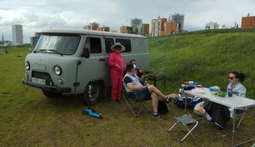 «Пикники на колёсах» в Преображенском парке продолжают появляться и возмущать академчан