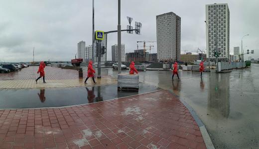 На новом участке улицы Вильгельма де Геннина уложили тротуарную плитку