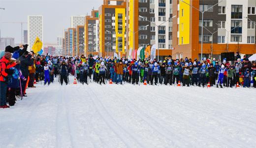 Академический принял самую массовую лыжную гонку в истории района