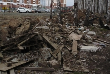 Жители 7 квартала заставят застройщика прибраться
