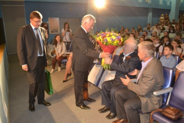 Академический поздравил Евгения Родыгина с юбилеем