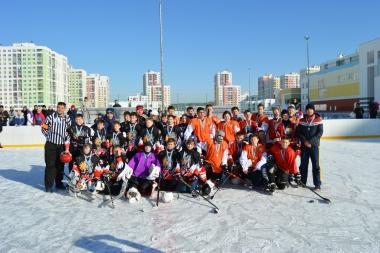 Ко Дню защитника отечества в районе прошли турниры по хоккею и футболу