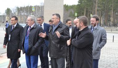 Губернатор Красноярского края посетил Академический