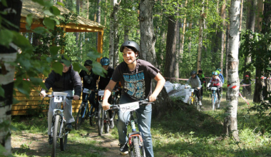 В Юго-западном лесопарке прошла велогонка среди школьников