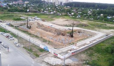 На стройплощадке ЖК «Рябиновый» началась массовая забивка свай