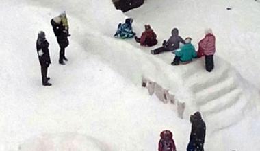 Жители блока 2.8 приглашают соседей на возведение снежного замка