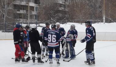 Хоккейная команда Академического выиграла Рождественский турнир в рамках спартакиады