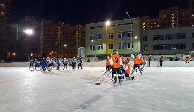 Во втором квартале Академического открылся хоккейный корт