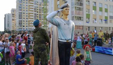 В районе откроют все пять фигур символа Вооруженных сил России