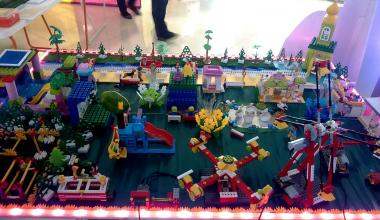Дошкольники воплотили свои мечты о Преображенском парке в конструкторе из лего