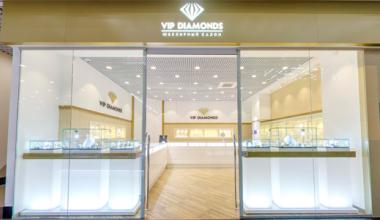 Ювелирный магазин в ТРЦ «Академический» нашёл способ озолотить своих клиентов без денег
