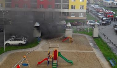 В паркинге пятого квартала сгорели два автомобиля