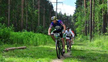 AkademRide: спортклуб района организует бесплатные велозаезды дважды в месяц