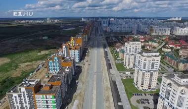 Проспект Сахарова с высоты: дорожные работы не прекращаются