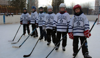 Завтра в районе пройдёт хоккейный марафон среди детей и взрослых