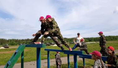 Школьники из Луганска и Донецка побывали в Академическом