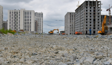 В новых кварталах Академического идёт строительство улицы Академика Парина
