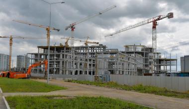 Администрация Екатеринбурга обсудит с Министерством строительства досрочный ввод школы в 10 квартале