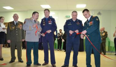 Экспозиция о жизни Героев России открылась в школе №19