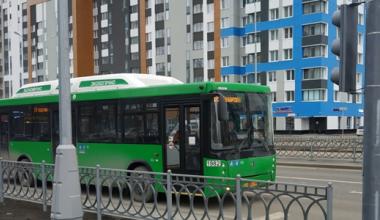 С 1 июля некоторые автобусы в Академическом изменят схему движения и нумерацию