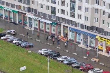 Тротуар возле Де Геннина, 31 расчищен