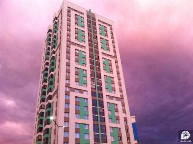 «Свечка» первого квартала на фоне фиолетового неба