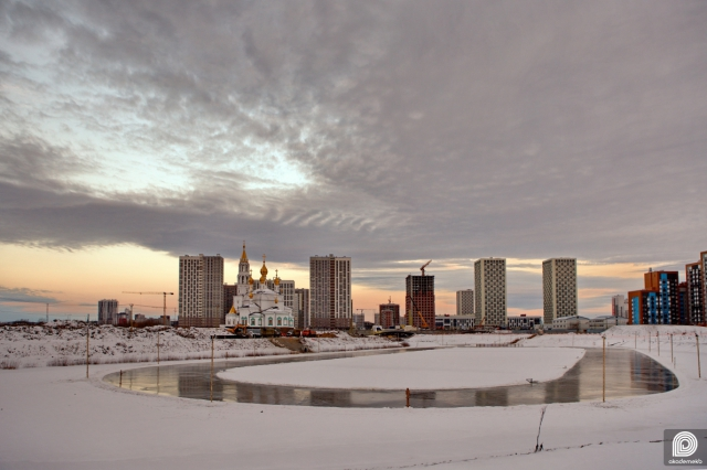 Лёд на пруду в Преображенском парке подготовили к зимнему сезону и массовому катанию на коньках