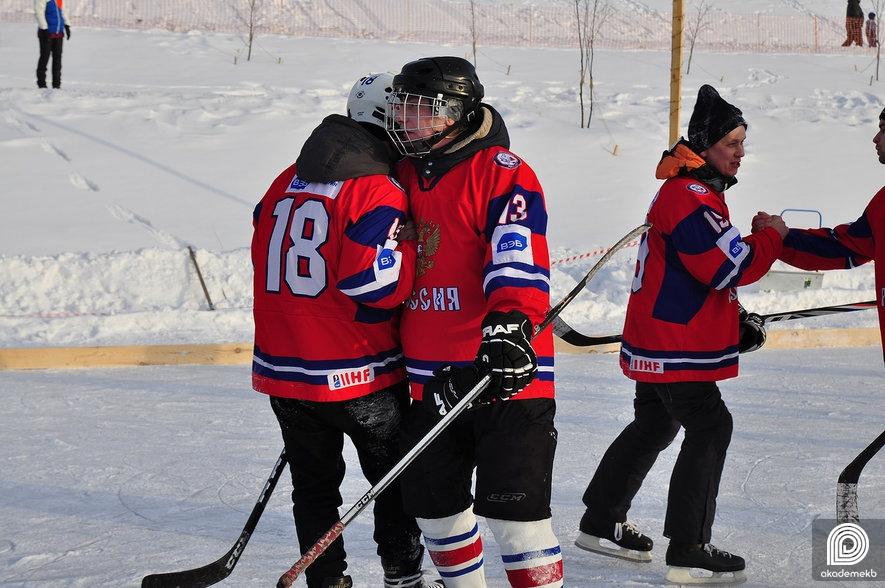 В Рождество в Преображенском парке прошёл турнир по дворовому хоккею