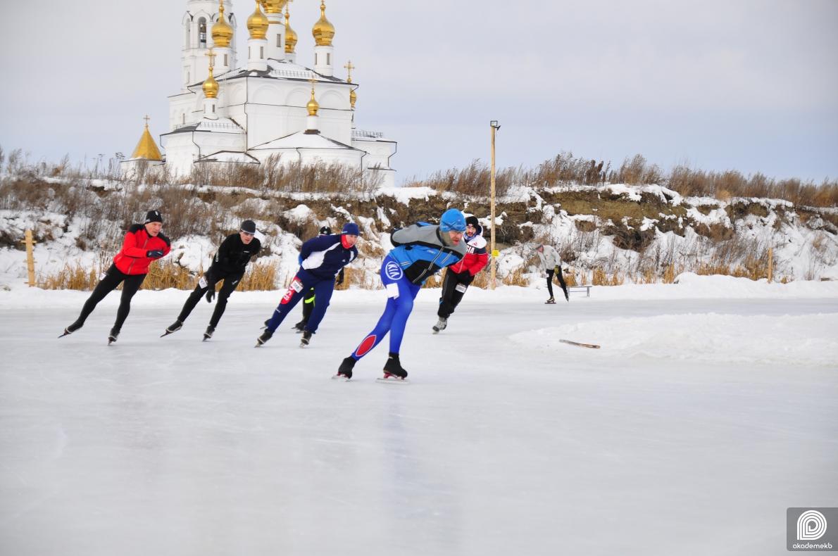 Во втором этапе «AkademMan» участвовали чемпионы и ветераны конькобежного спорта
