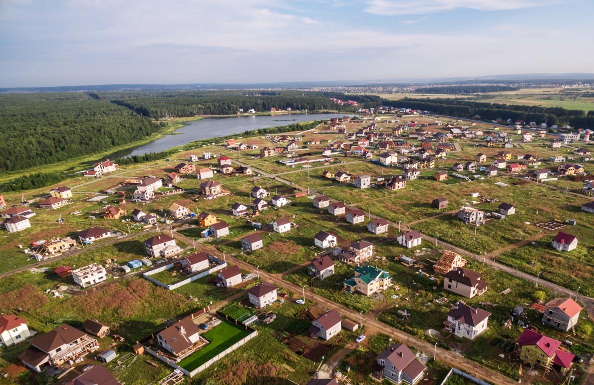 Переезд за город за 17 500 рублей в месяц: объявлена рассрочка в коттеджных посёлках Екатеринбурга