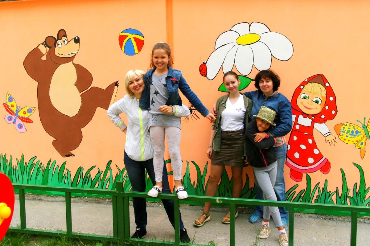 Уличное искусство: жители Академического разрисовали детскую площадку