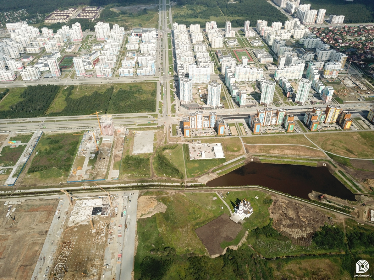 Плотина, Преображенский парк и 26 квартал: смотрим на Академический с квадрокоптера
