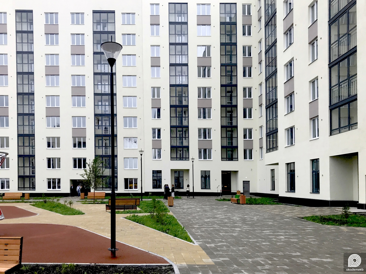 Экскурсия во двор и квартиры 26 квартала