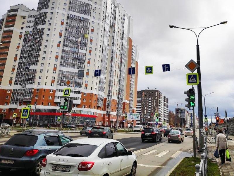 На пересечении Краснолесья - Мехренцева изменилась схема движения